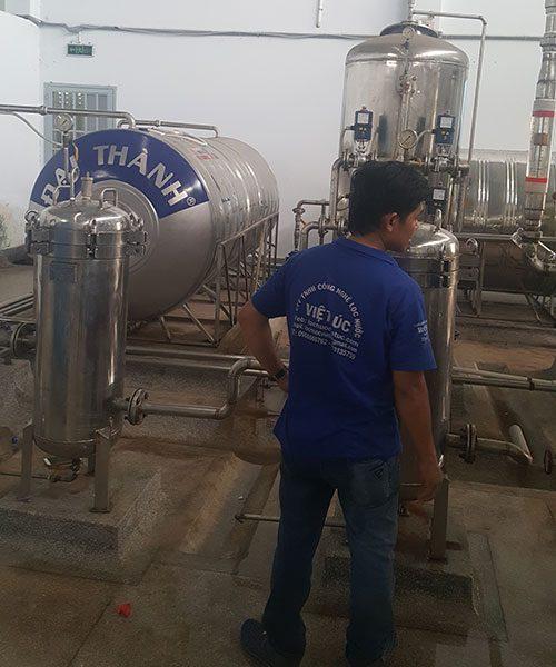 dây chuyền lọc nước tinh khiết công suất 250l/h