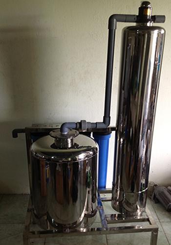 hệ thống làm ngọt nước tinh khiết
